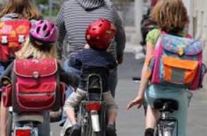 A vélo : casque obligatoire pour les enfants